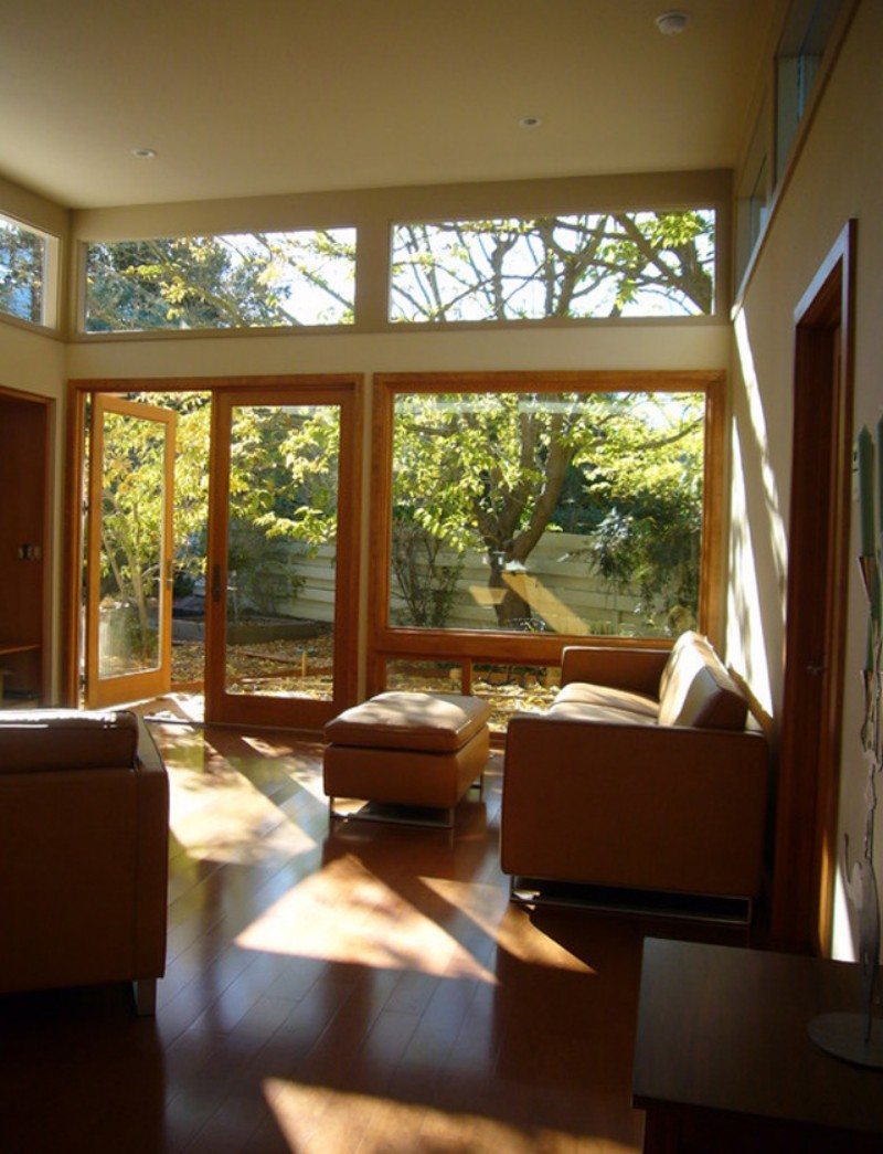 Деревянные окна в современном и классическом интерьере