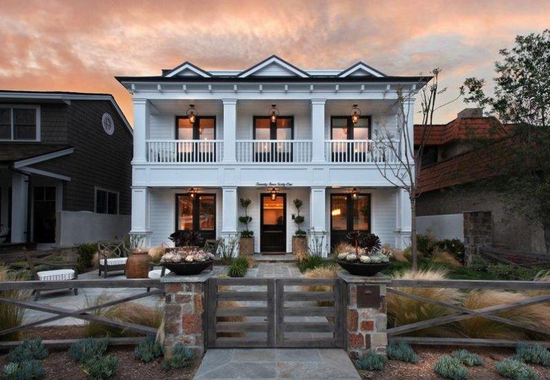 Белый дом в Американском стиле