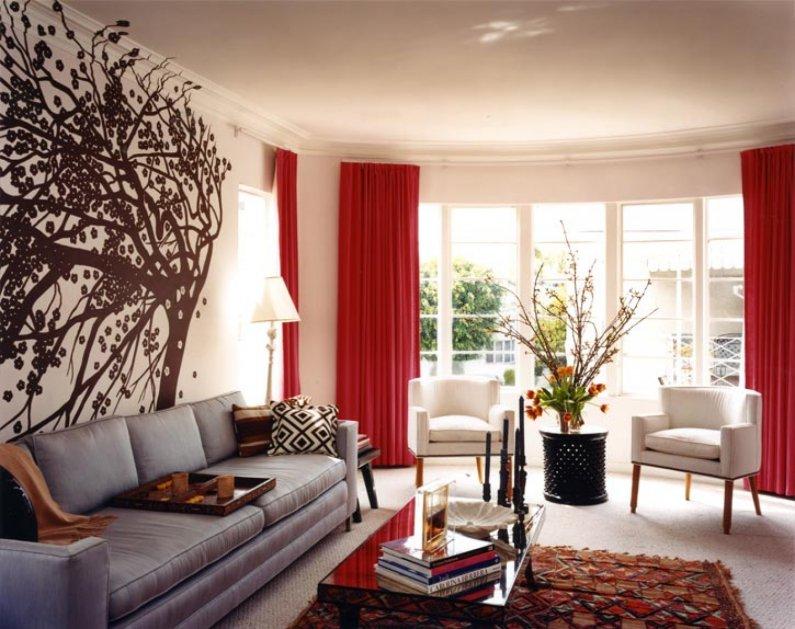 Современная гостиная в красных тонах