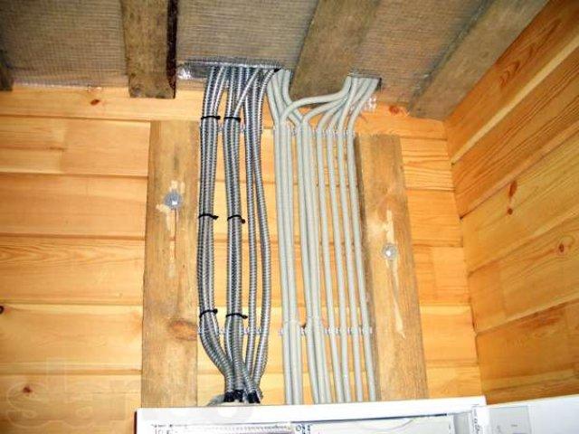 Как провести электричество в деревянном доме своими руками 93